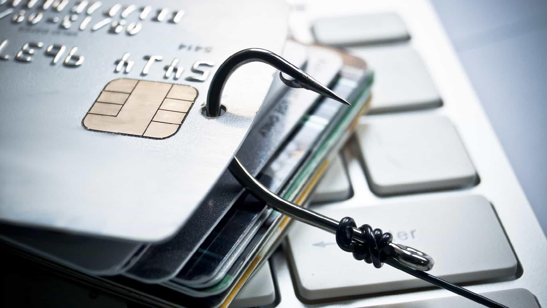 Cartão de crédito: Aprenda o que fazer caso seja clonado