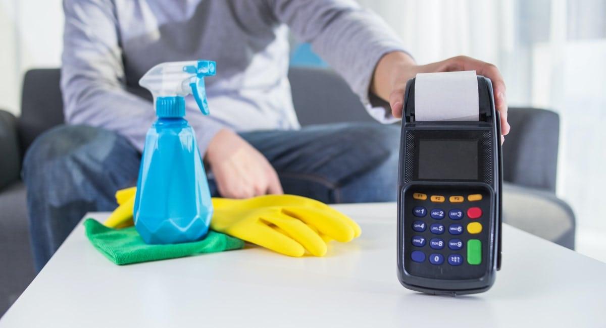 Coronavírus: como higienizar o cartão de crédito sem danificá-lo
